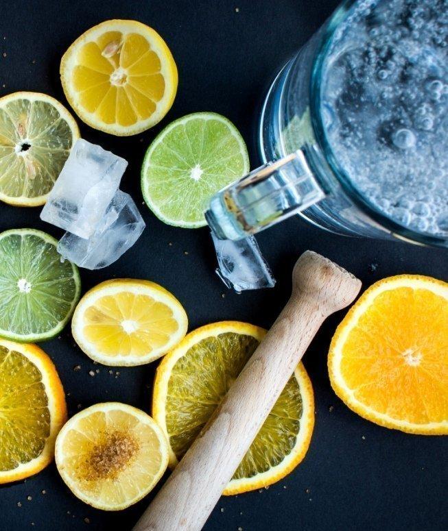 acqua-e-limone-al-mattino